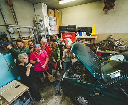 Pôle technique de co-réparation automobile associatif et participatif
